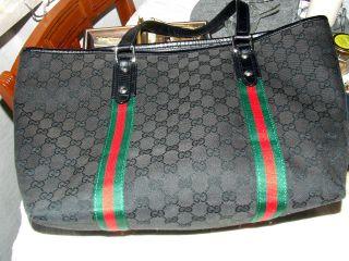 Vintage Tasche,  Shopper Schwarz Mit Den Berühmten Rot/grünen Streifen Bild
