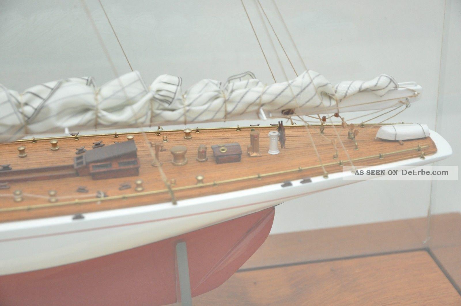 Schiffsmodell rainbow america 39 s cup mit vitrine for Dekoration maritim
