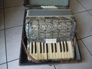 Altes Gental Akkordeon 32 Bass Ziehharmonika Instrument Mit Koffer Bild