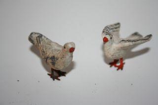 Tauben,  Weiß,  Metallfuß,  2 Stück,  Masse,  1930,  4,  5 Cm,  Vorkrieg,  Erzgbirge Bild