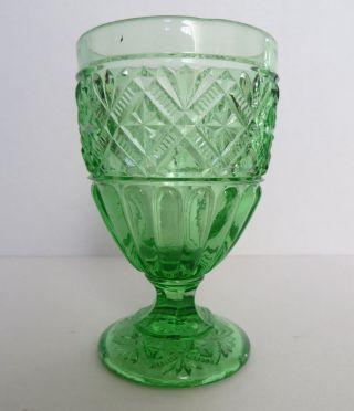 Grünes Pressglas Jugendstil Fußbecher Pokalglas Wohl Meisenthal 1907 Bild