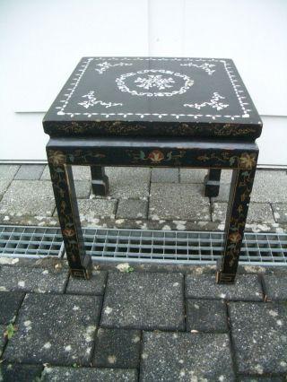Seltenes Tischchen Wohl Japan Um 1900 Lackmalerei Und Perlmutteinlegearbeiten Bild