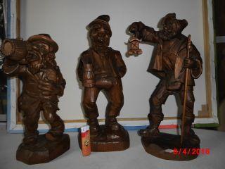 3 Große Geschnitzte Holzfiguren - Eine Von P.  Pfeifhofen - Trinker - Nachtwächter Bild