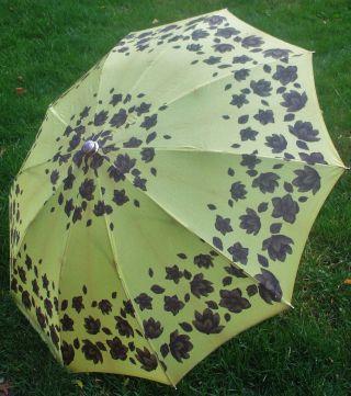 Kultiger 60er Regenschirm,  Lindgrün Mit Herbstlaub/faltbar M.  Kunstlederhülle/gut Bild