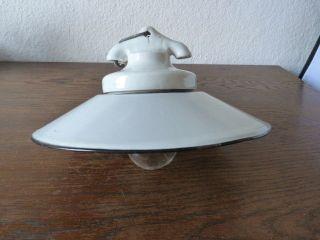 Uralte Emaillampe Porzellanfassung Hauslicht Flur KÜche Art Deco Bauhaus Bild