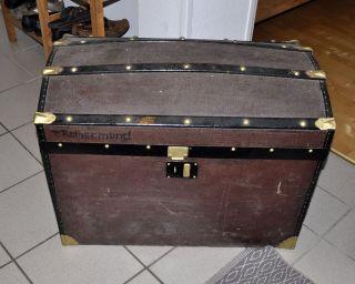 Alter Truhen - Koffer,  Wölbdeckel - Truhe,  Echt Historisch,  Aber überlackiert Bild