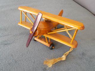 Holzflugzeug Bild