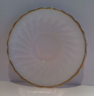 Dinnerware Anchor Hocking Oven Proof Swirl Shell Gold Trim Scalloped Saucer Vtg Bild