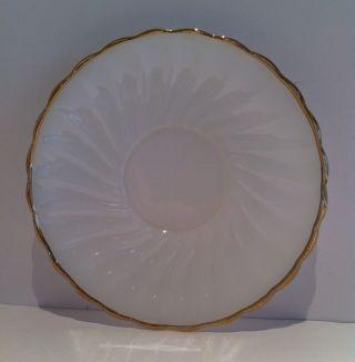 Dinnerware Anchor Hocking Oven Proof Swirl Shell Gold Trim Scalloped Saucer Vtg Bild