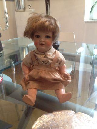 Alte Puppe Mit Beweglichen Augen Bild