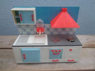 Hübsche 1960er Jahre Puppenküche Aus Metall Blech & Kunststoff Bild