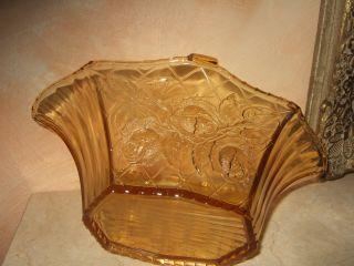Dekorative Antike Gelbglas - Schüssel Mit Rosenmuster Bild