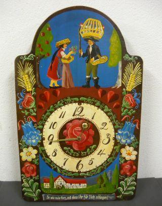 Alte Bemalte Wanduhr Mit Gong Bild