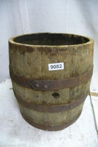 9082.  Altes Holzfass Fass Weinfass Old Wooden Barrel Bild