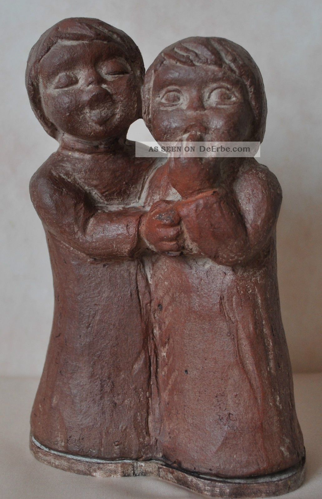 studio keramik limpke keramik ton signiert zwei m dchen keramikfigur. Black Bedroom Furniture Sets. Home Design Ideas