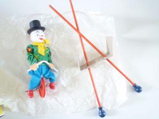Clown Auf Hochseil Mit Box Made In Germany Westen Feco Bild