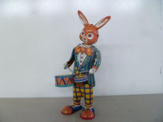 Trommlender Hase Made In Japan Nikko Gangu Kogyo Trade Mark Bild