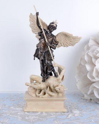 Historische Engelfigur Antik Skulptur Erzengel Michael & Teufel Bild