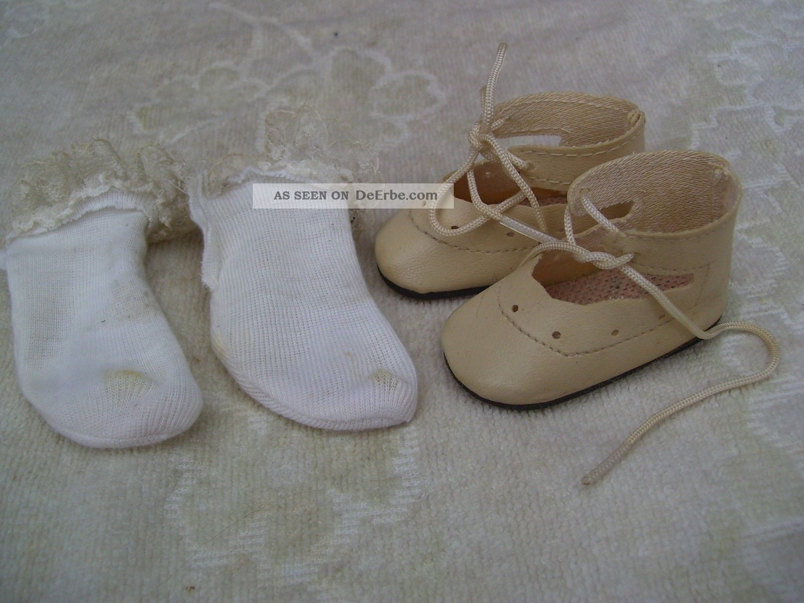 alte puppenkleidung schuhe vintage creme shoes lacy socks. Black Bedroom Furniture Sets. Home Design Ideas