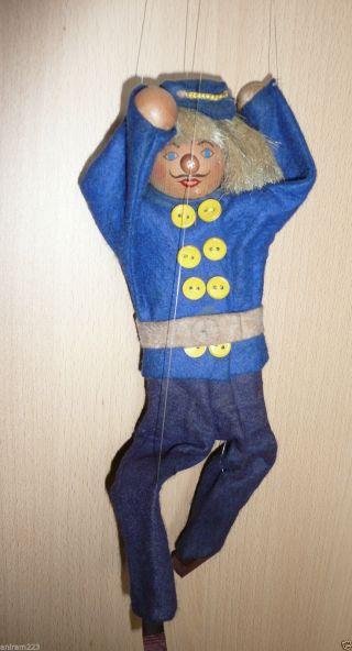 Marionette Schaffner Aus Holz Bild