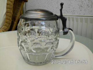 Nostalgie Glas Bierseidel Bierhumpen Mit Zinndeckel Im Lochdellen Design Bild