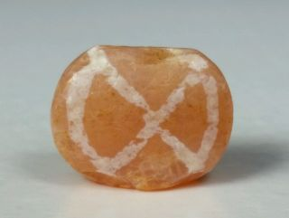 Ancient Rare Pyu Etched Carnelian Bead Bild