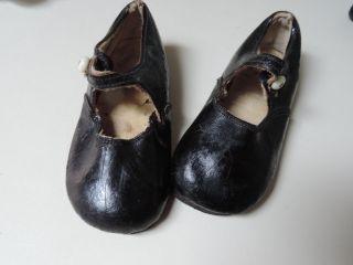 Schuhe Mit Riemchen,  Leder,  Schwarz,  Kinderschuhe Oder Puppenschuhe,  Antik Bild