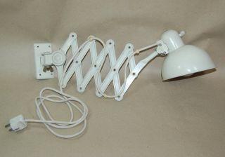 Kaiser Idell Lampe Scherenlampe Modell 6718 Weiß Christian Dell Bauhaus Bild