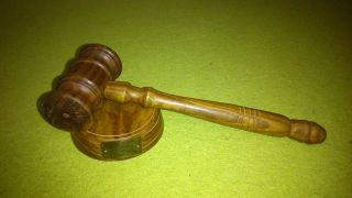 Handgefertigter Richterhammer,  Auktionshammer Holz Mit Block Hammer Bild
