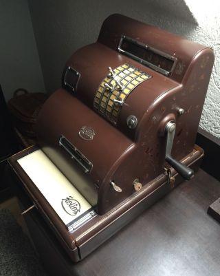 Kasse,  Nostalgisch,  Alt,  Farbe Braun,  Maße 48 Cm X 39 Cm,  Höhe 45 Cm,  Rar Bild