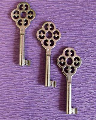 3 Alte Schlüssel No 4 Junie Schrankschlüssel Hohlschlüssel Möbelschlüssel 149 Bild