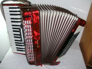 Pianoakkordeon,  Galotta,  Rot Perlmutt,  Mit Exclusiv Koffer Bild