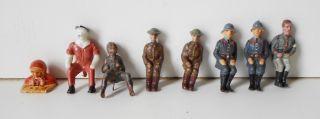 8 Figuren Lineol Sitzende Soldaten Für Fahrzeuge Wehrmacht Engländer Etc. Bild
