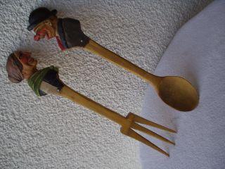 Antikes Originales Aus Holz Geschnitztes Und Bemaltes Salatbesteck Bild