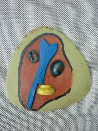 ältere Maske Wandobjekt Abstrakt Surrealismus Objekt Aus Halle Bild
