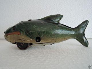 Dachbodenfund : Alter Walfisch Aus Blech,  Made In Germany Bild