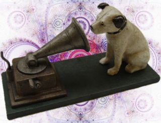 A Cast Iron Nipper Dog Polidor With Gramophone Party Gag Vintage Geschenk Bild