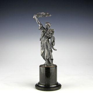 Antike Fortuna Skulptur Um 1880 Marmorsockel Tyche Mythologie Figur Bild