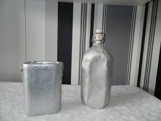 Alte Aluflasche Bügelflasche Mit Bügelverschluss Alufalsche Und Alu Becher Bild
