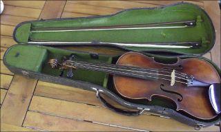 Antike Geige Im Koffer Mit 2 Bögen,  Dunkelbraun,  Uralt Bild
