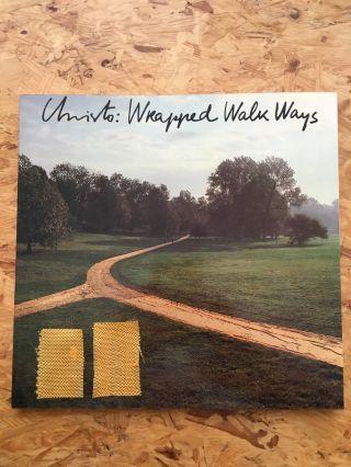 Christo ' Wrapped Walk Ways ' Kansas 1977 Buch Und 2 Stoffstücke Fabric Bild