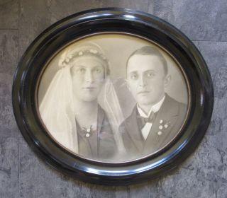Ovaler Rahmen Biedermeier Mit Hochzeitsfoto_42 X 36,  5 Cm Bild