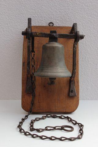 Hof - Glocke Mit AufhÄngung Und Kette - 19 Jhdt - Bild