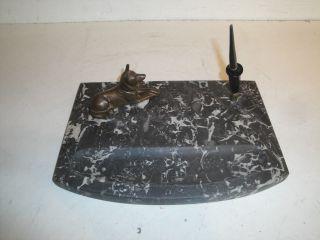 Altes Schreibtischset Aus Mamor,  Mit Hund Aus Bronze Od.  Messing (?),  Ansehen Bild