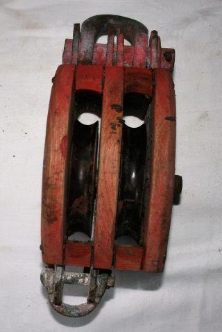 Flaschenzug Schiffsblock Umlenkrolle Talje 2 Scheiben Block Roter Anstrich Bild