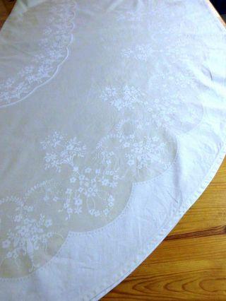 Damast - Tischdecke,  Creme/hell - Beige,  Einwebmuster In Weiß,  Oval 147 X 210 Cm Bild