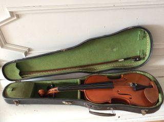 Alte Geige Violine Im Koffer Mit Bogen Und Schulterstütze Bild