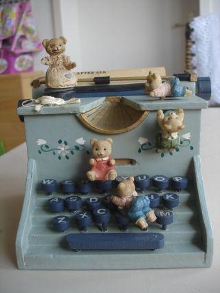 Spieluhr Schreibmaschine Mit Bären.  Bewegung.  Musik. Bild
