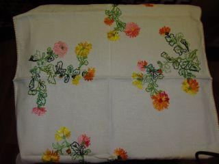 Sommerliche Handbestickte Tischdecke - Blumen - 77 X 54 Cm Bild