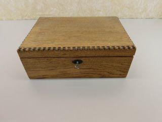 Holzschatulle Holzbox Schmuckschatulle Schatulle Handgefertigt Eiche Bild